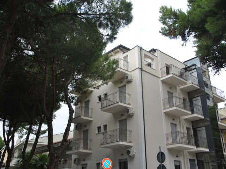CATTOLICA – RESIDENZA LE ROSE